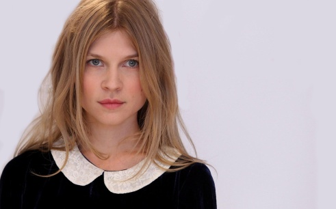 6829535-clemence-poesy